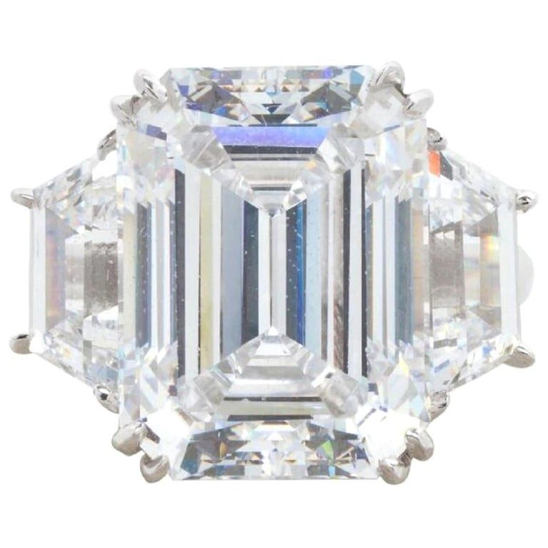 GIA Certified 4 Carat Three-Stone Emerald Cut Diamond Ring For Sale