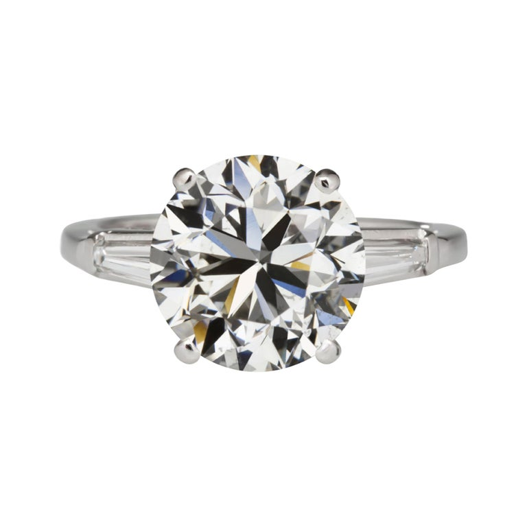 GIA Certified 3.50 Carat Round Brilliant Cut Diamond Tapered Baguette Ring For Sale