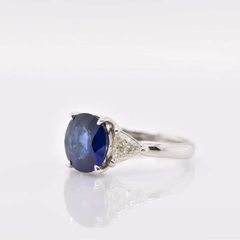Round Cut GIA Certified 3.53 Carat Madagascar Sapphire and Diamond Ring Set in Platinum For Sale