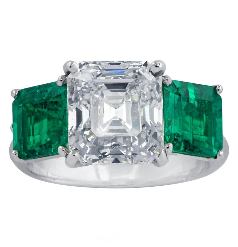 GIA Certified 3.61 Carat Diamond Emerald Ring In New Condition For Sale In Miami, FL