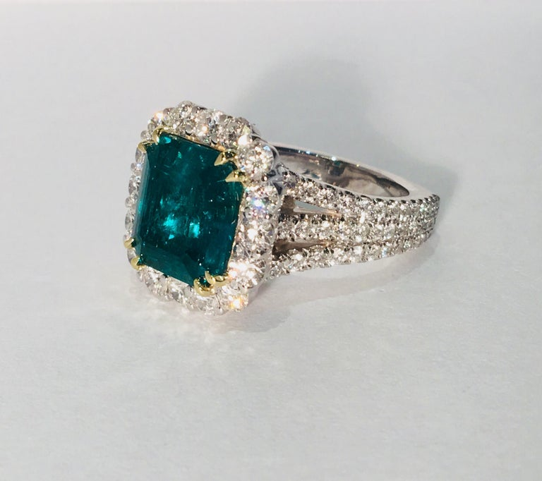 Contemporary Finest Quality GIA Certified 3.69 Carat Colombian Emerald 2.7 Carat Diamond Ring For Sale
