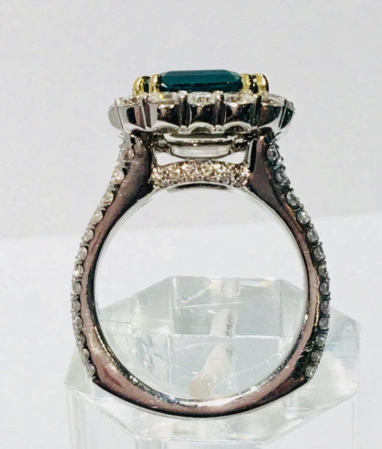 Finest Quality GIA Certified 3.69 Carat Colombian Emerald 2.7 Carat Diamond Ring In Excellent Condition For Sale In Tustin, CA