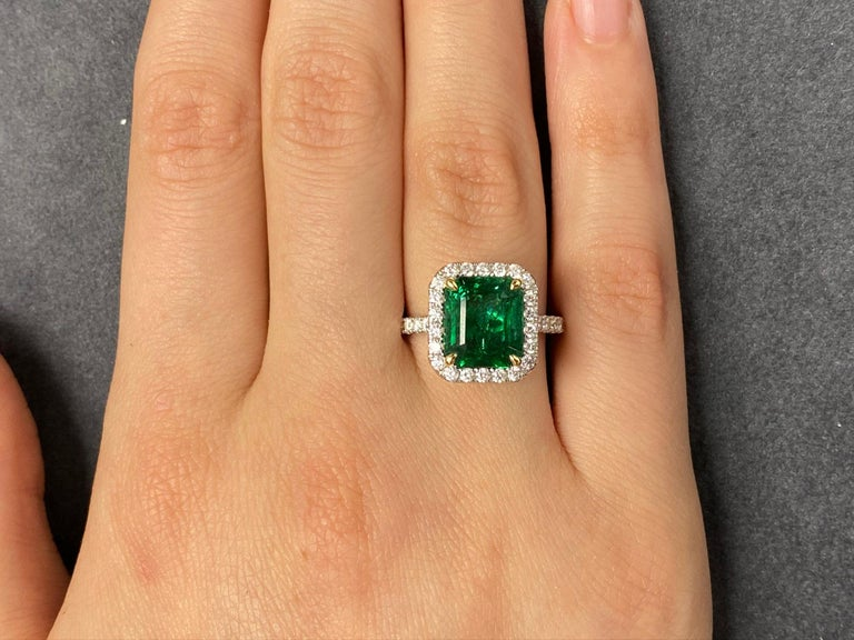 Women's GIA Certified 3.80 Carat Emerald and Diamond Ring For Sale