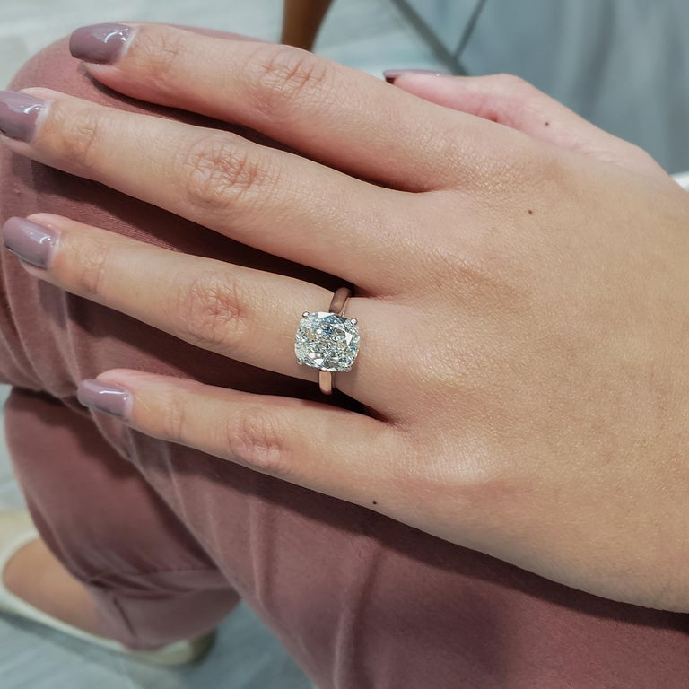 GIA Certified 4.01 Carat Cushion Diamond Solitaire Engagement Ring In New Condition For Sale In New York, NY