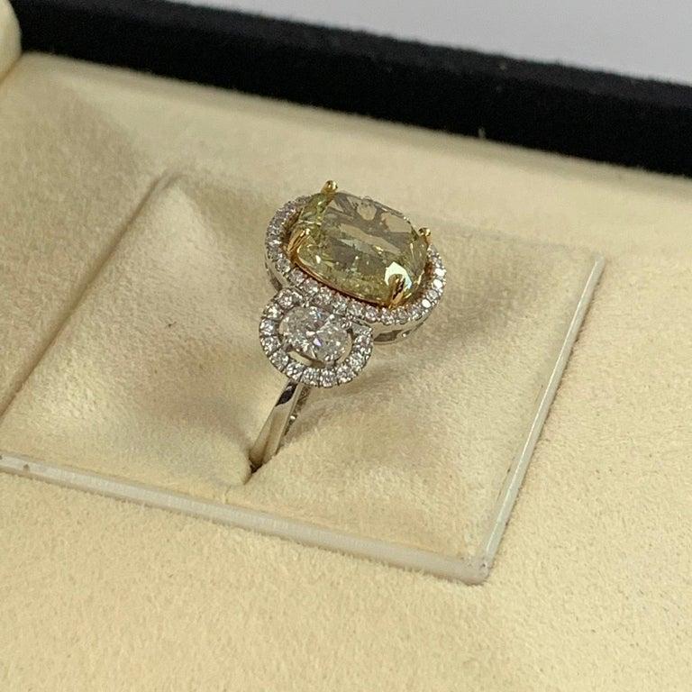 Women's or Men's GIA Certified 4.01 Carat Fancy Yellow Cushion Cut Diamond Ring For Sale