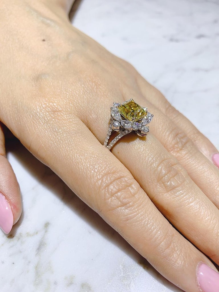 GIA Certified 4.01 Carat Fancy Greenish Yellow Diamond Cushion Cut Ring For Sale 1