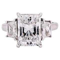 GIA Certified 4.02 Carat Radiant Cut Diamond Platinum Trapezoid Diamond Ring