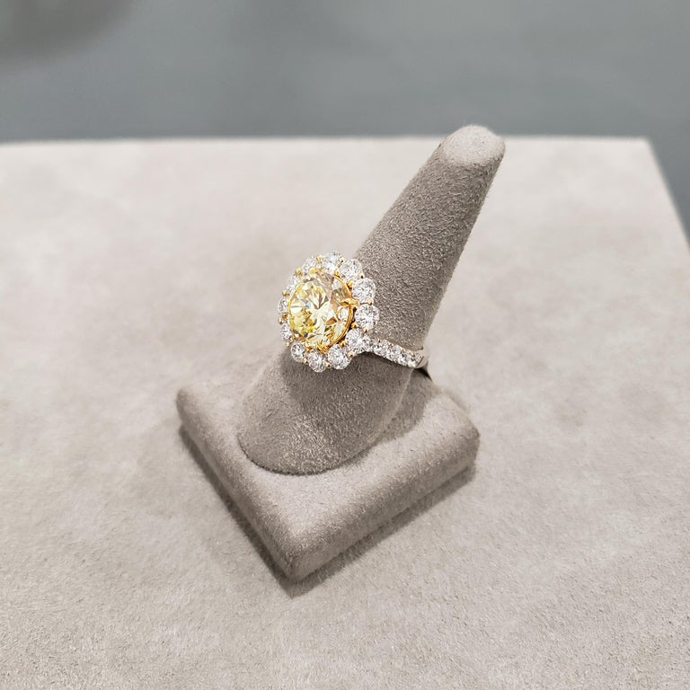 GIA Certified 4.47 Carat Fancy Intense Yellow Diamond Ring For Sale 1