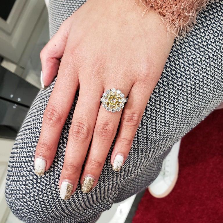 Women's Roman Malakov, GIA Certified 4.47 Carat Fancy Intense Yellow Diamond Ring For Sale