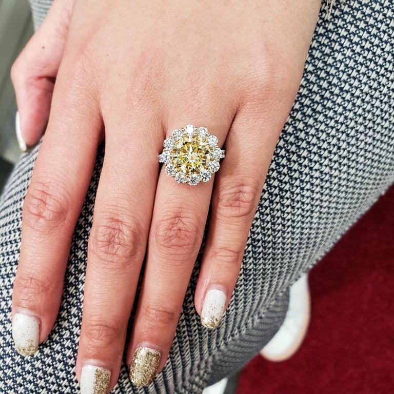 Roman Malakov, GIA Certified 4.47 Carat Fancy Intense Yellow Diamond Ring For Sale 1