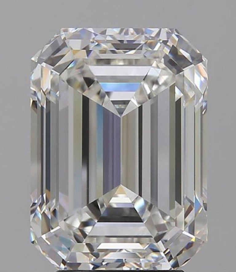 GIA Certified 4.50 Carat Emerald Cut Diamond Ring VVS1 G Color In New Condition For Sale In Rome, IT
