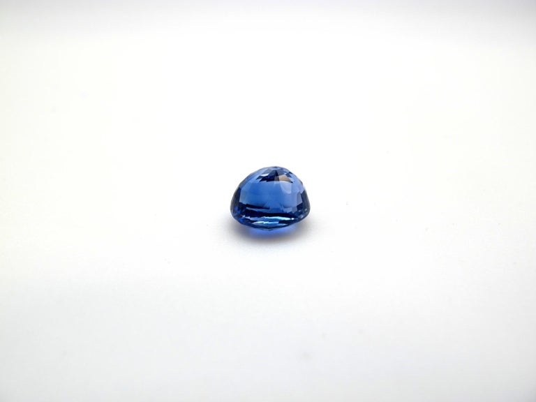 GIA Certified 4.56 Carat Unheated Oval Blue Sapphire In New Condition For Sale In Los Angeles, CA
