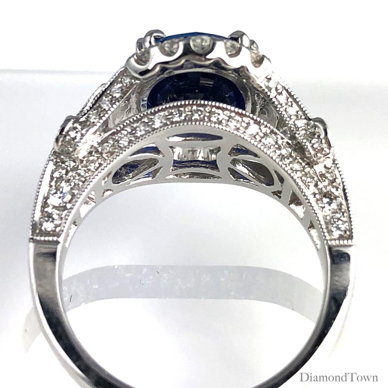 Contemporary GIA Certified 4.59 Carat Fine Ceylon Sapphire Ring For Sale