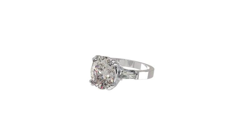 IGI Certified 3 Carat Oval Cut Diamond Ring For Sale 5