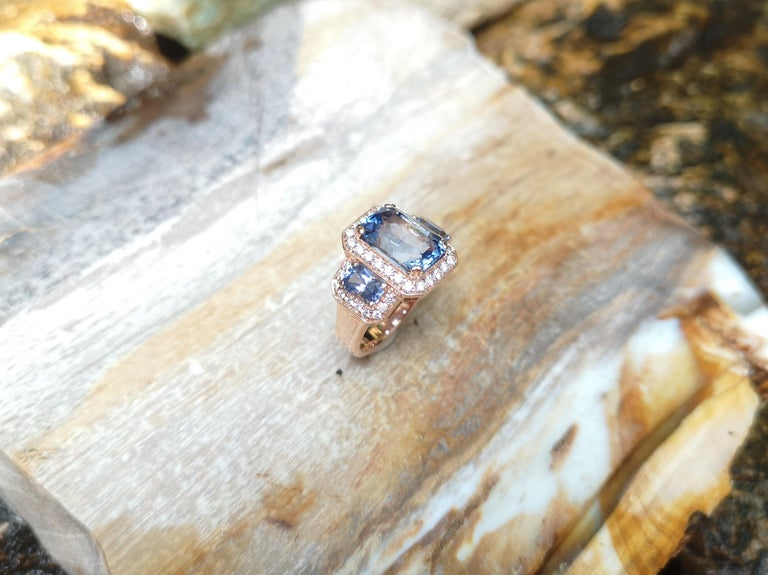GIA Certified 5 Cts Ceylon Blue Sapphire with Diamond Ring in 18 Karat Rose Gold For Sale 1