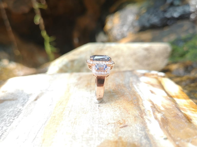 GIA Certified 5 Cts Ceylon Blue Sapphire with Diamond Ring in 18 Karat Rose Gold For Sale 3