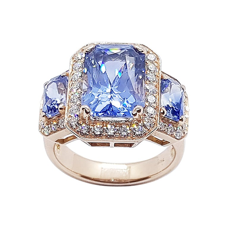 GIA Certified 5 Cts Ceylon Blue Sapphire with Diamond Ring in 18 Karat Rose Gold For Sale
