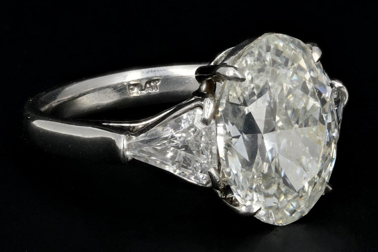 GIA Certified 5.01 Carat Oval Cut Diamond Platinum Engagement Ring In New Condition For Sale In Cape May, NJ