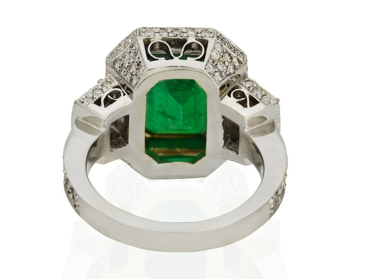 GIA Certified 5.13 Carat Colombian Emerald Cocktail Ring In New Condition For Sale In Coral Gables, FL