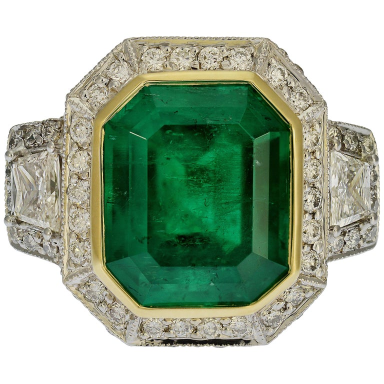 GIA Certified 5.13 Carat Colombian Emerald Cocktail Ring For Sale