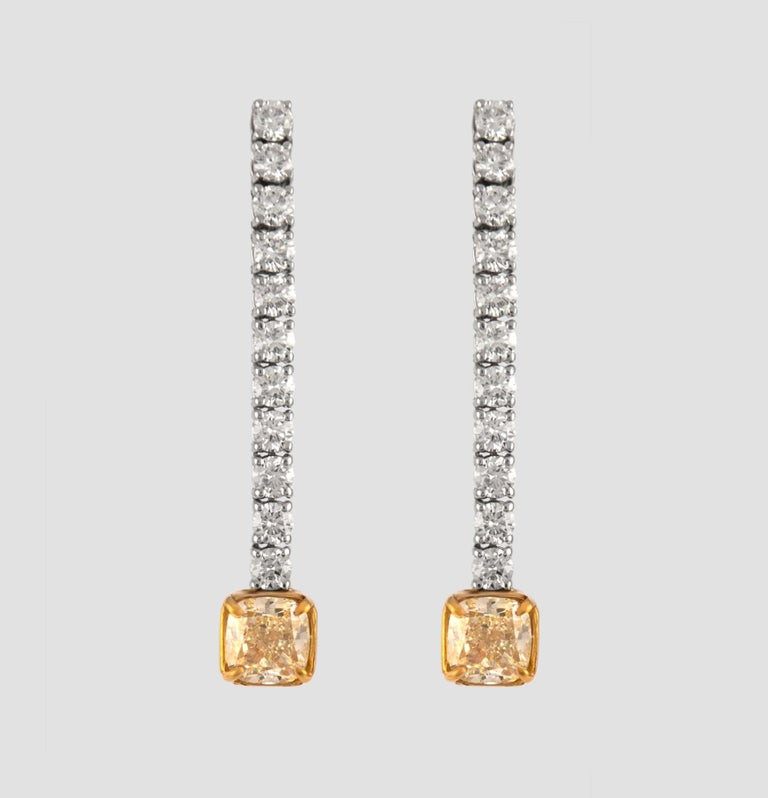 GIA Certified 5.20 Carat Drop Diamond Earrings 18 Karat White Gold In New Condition For Sale In BEVERLY HILLS, CA