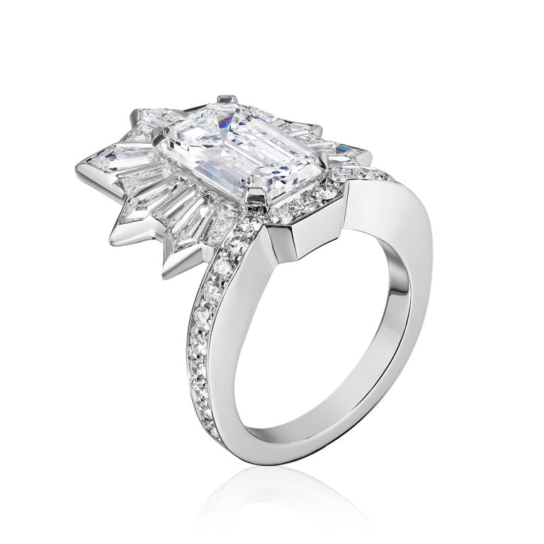 GIA Certified 5.20 Carat Emerald Cut Diamond Cocktail Ring In New Condition For Sale In New York, NY