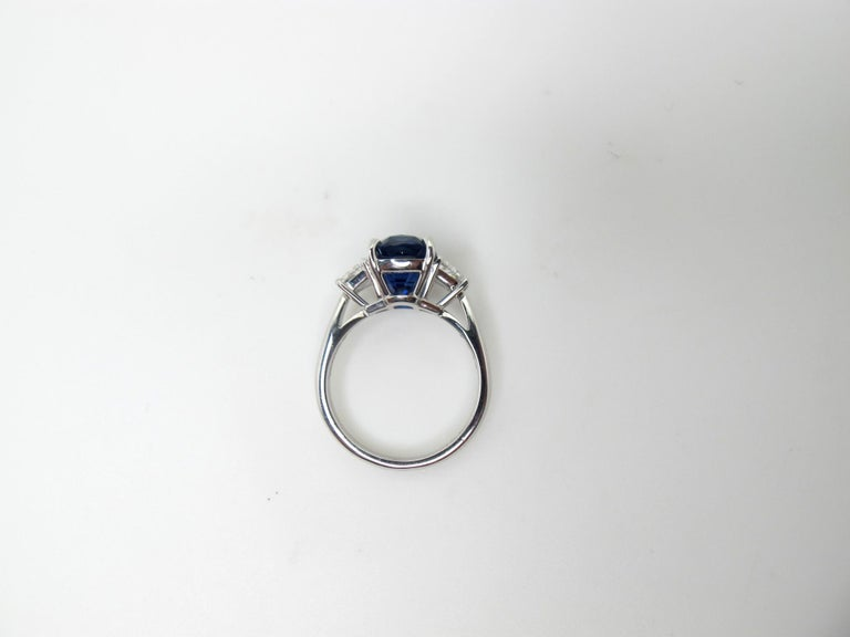 Modern GIA Certified 5.28 Carat Unheated Blue Sapphire and Diamond Platinum Ring For Sale