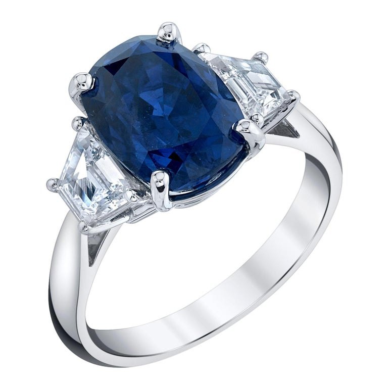 GIA Certified 5.28 Carat Unheated Blue Sapphire and Diamond Platinum Ring For Sale