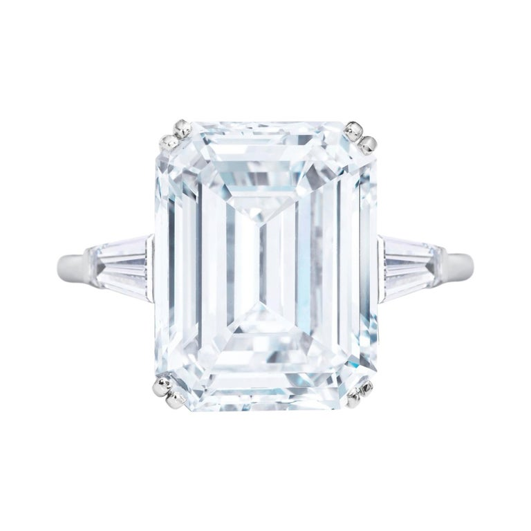 GIA Certified 5.50 Carat Emerald Cut Diamond Platinum Ring For Sale