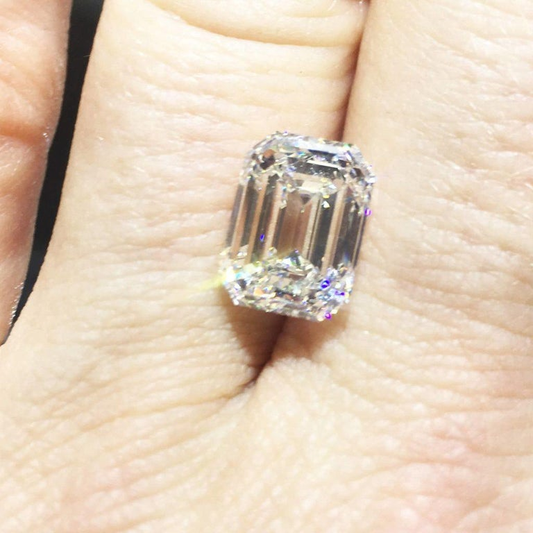 Modern FLAWLESS GIA Certified 3.80 Carat Emerald Cut Diamond Engagement Ring For Sale