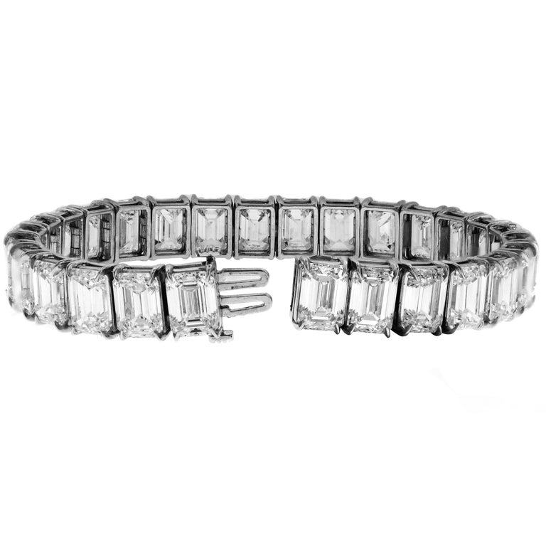 Women's GIA Certified 56.62 Carat Emerald Cut Diamond Tennis Bracelet For Sale