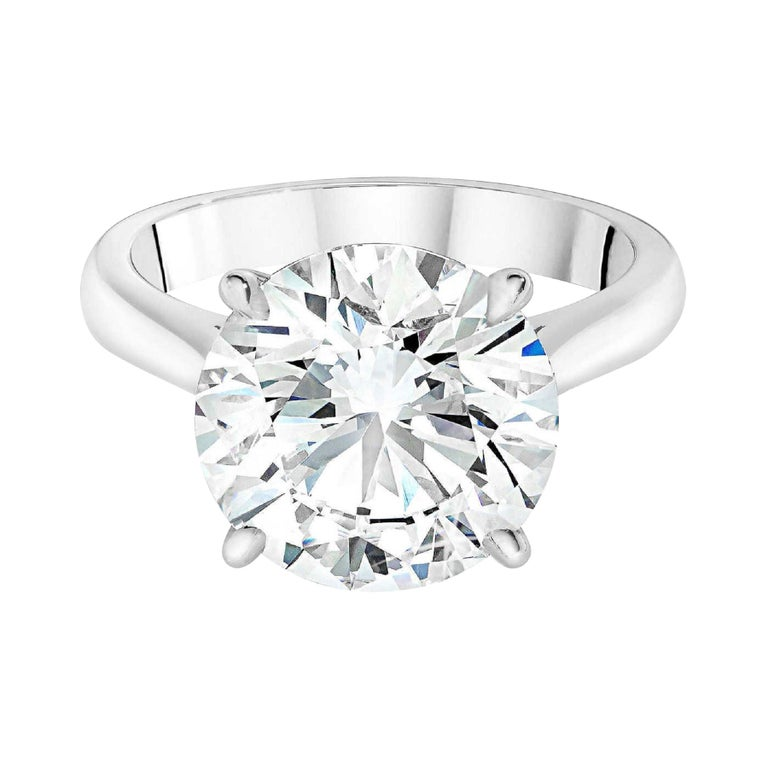 GIA Certified 6.01 Carat E Color VS2 Clarity Platinum Ring For Sale
