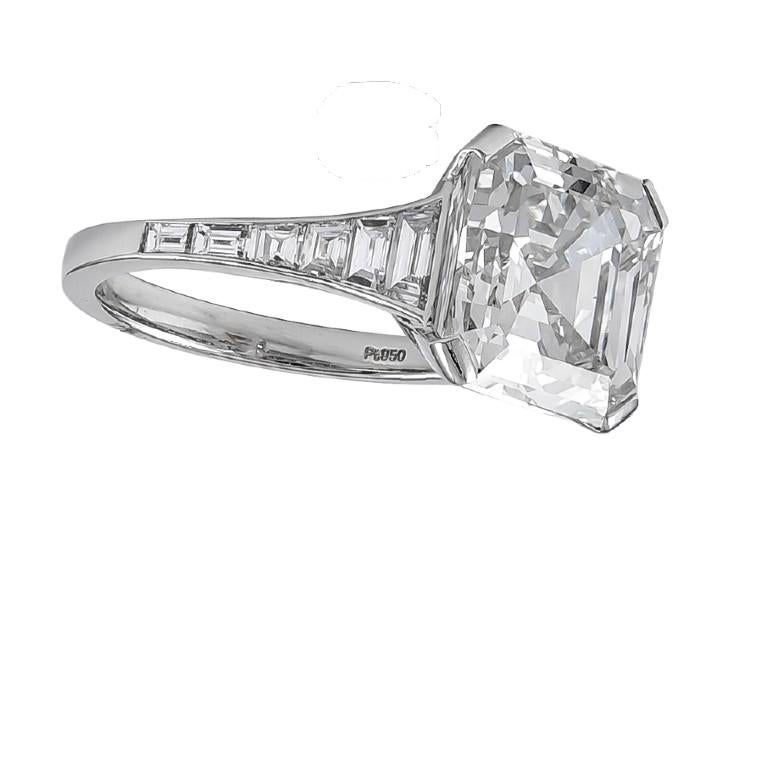 GIA Certified 6.06 Carat Emerald Cut Diamond Engagement Ring In New Condition For Sale In New York, NY