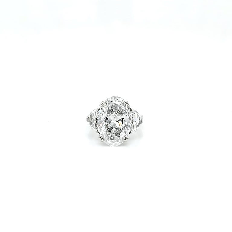 GIA Certified 6.16 Carat Oval Cut Diamond Three-Stone Ring In New Condition For Sale In New York, NY