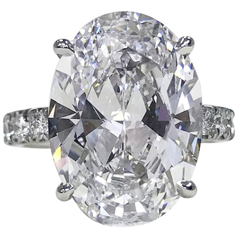 GIA Certified 6 Carat Oval Diamond Platinum Solitaire Ring VS2 Clarity For Sale