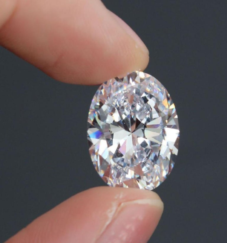 An amazing and huge diamond measuring 15.10x9.88 mm  Gia Certificate