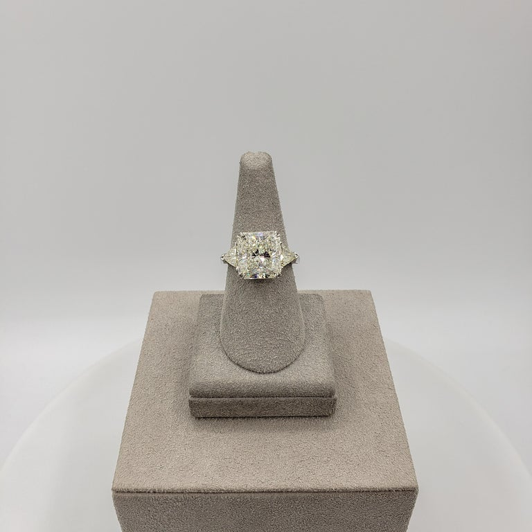 GIA Certified 6.90 Carat Radiant Cut Diamond Three-Stone Engagement Ring In New Condition For Sale In New York, NY