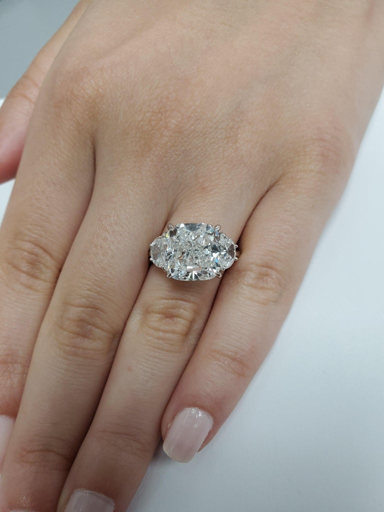 GIA Certified 7 Carat Cushion Diamond Platinum 3-Stone Diamond Engagement Ring In New Condition For Sale In Austin, TX