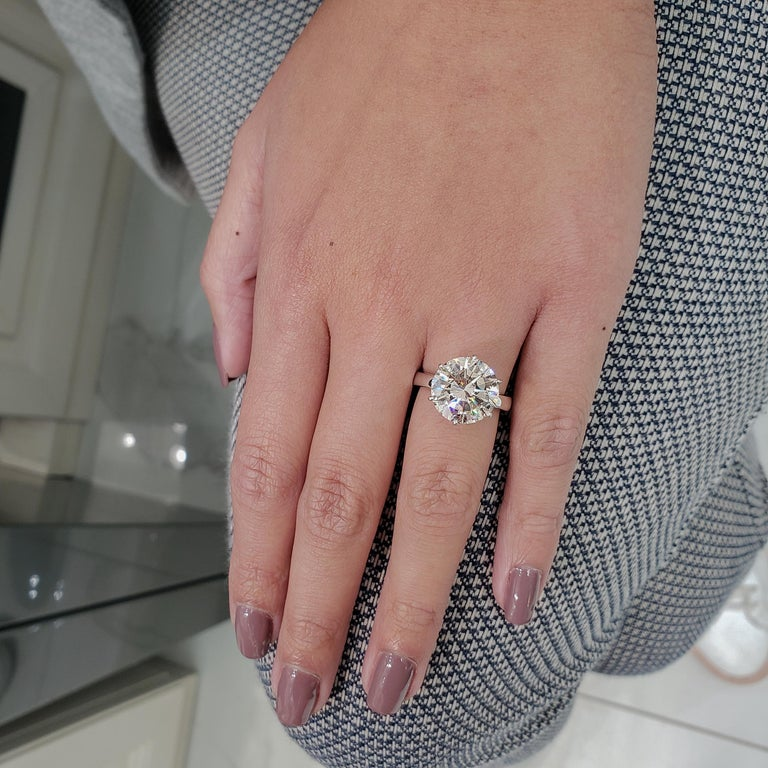 Contemporary GIA Certified 7.00 Carat Round Diamond Solitaire Engagement Ring For Sale