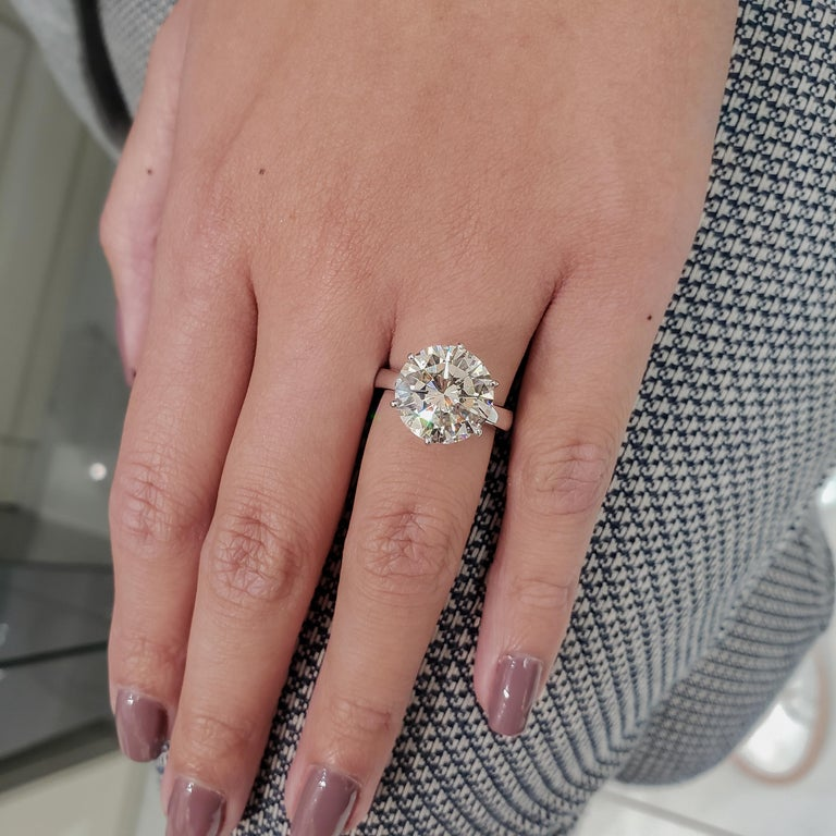 Round Cut GIA Certified 7.00 Carat Round Diamond Solitaire Engagement Ring For Sale