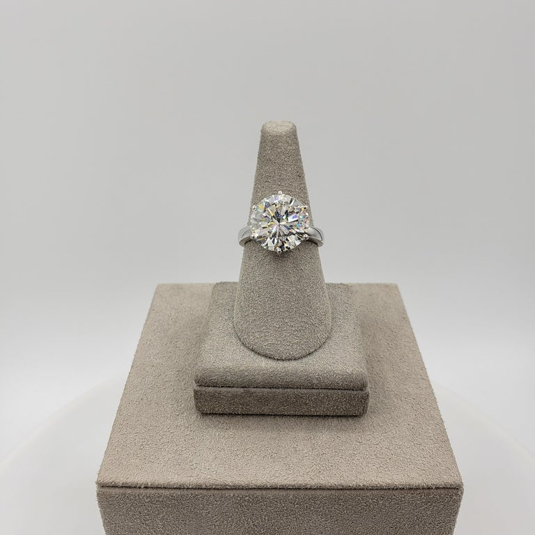 GIA Certified 7.00 Carat Round Diamond Solitaire Engagement Ring In New Condition For Sale In New York, NY