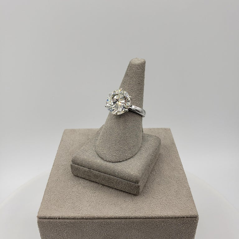 GIA Certified 7.00 Carat Round Diamond Solitaire Engagement Ring For Sale 1