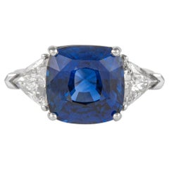 GIA Certified 7.11 Carat Sapphire with Diamonds Three-Stone Ring 18 Karat Gold
