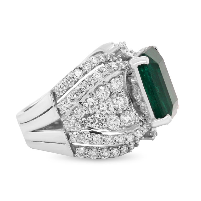 Octagon Cut GIA Certified 7.25 Carat Colombian Emerald 18k White Gold Diamond Cocktail Ring For Sale