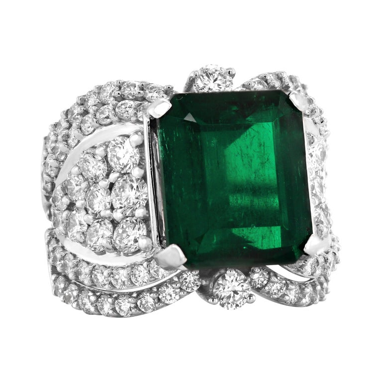 GIA Certified 7.25 Carat Colombian Emerald 18k White Gold Diamond Cocktail Ring For Sale