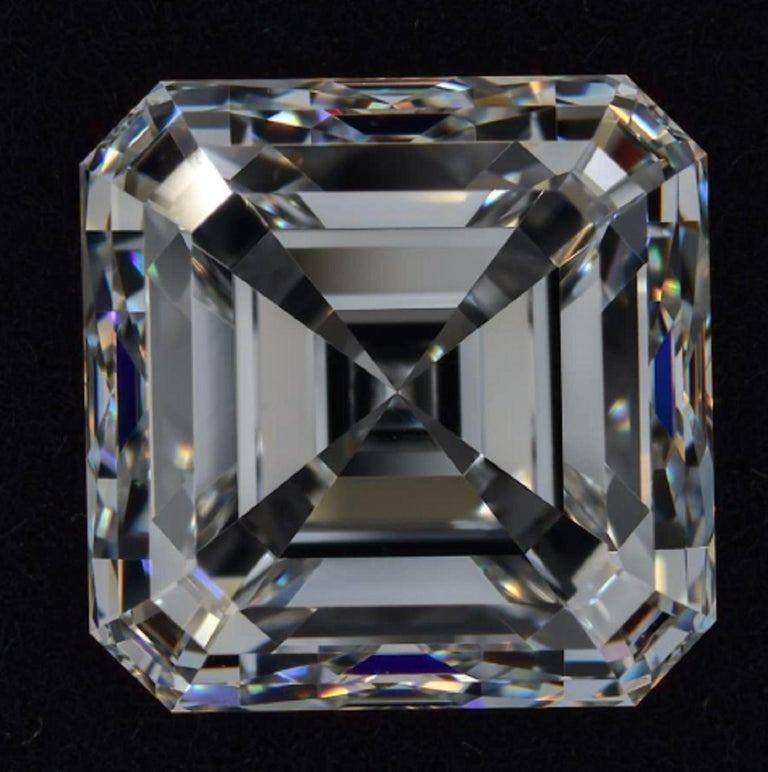 FLAWESS GIA Certified 5 Carat Asscher Cut Diamond Solitaire Ring In New Condition For Sale In Rome, IT