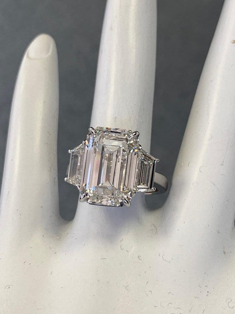 Modern GIA Certified 8.11 Carat Natural Emerald Cut Diamond H VS2 PLT Engagement Ring For Sale
