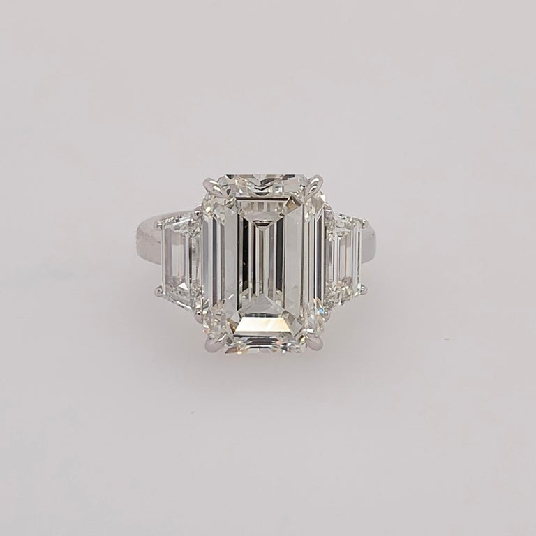 GIA Certified 8.11 Carat Natural Emerald Cut Diamond H VS2 PLT Engagement Ring For Sale 3