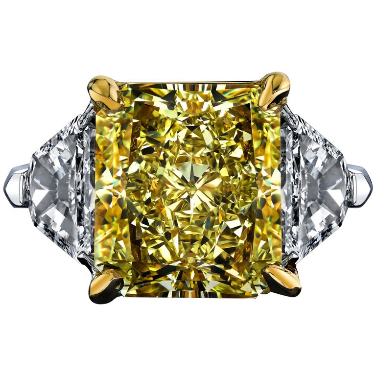 GIA Certified 8.11 Carat Radiant Fancy Yellow VVS2 Diamond Ring For Sale