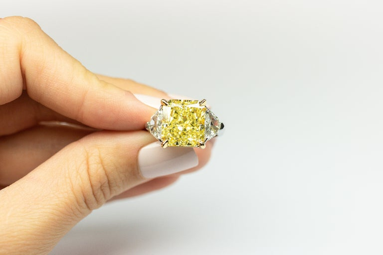 Radiant Cut GIA Certified 8.11 Carat Radiant Fancy Yellow VVS2 Diamond Ring For Sale